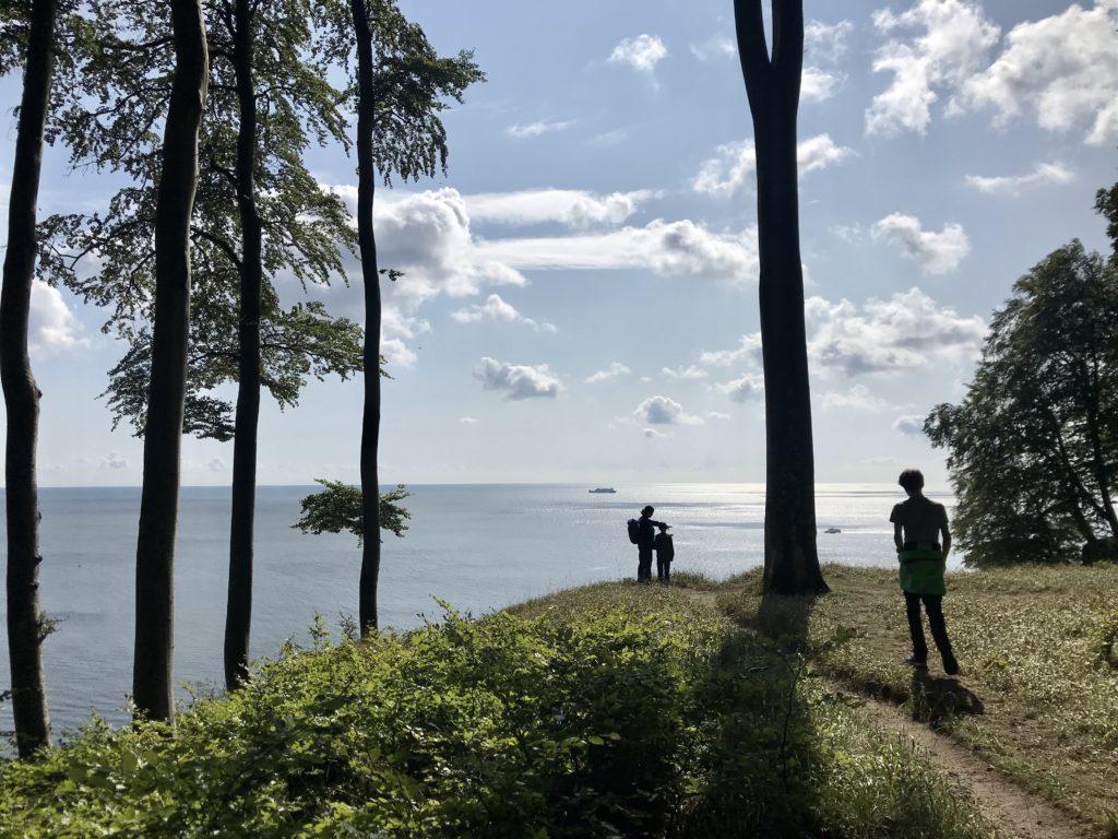 Kreidefelsen Rügen Wanderung am Hochuferweg mit Blick auf die Ostsee